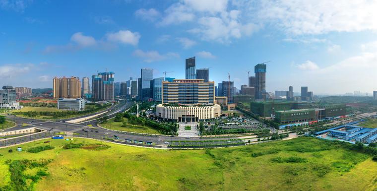 广西国际壮医医院位于南宁市五象新区秋月路8号,毗邻五象湖,交通便利。1_副本.jpg